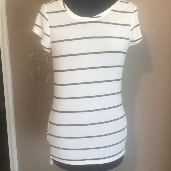 Poof! Tops - Poof Long T-shirt Sz Small Short Sleeve